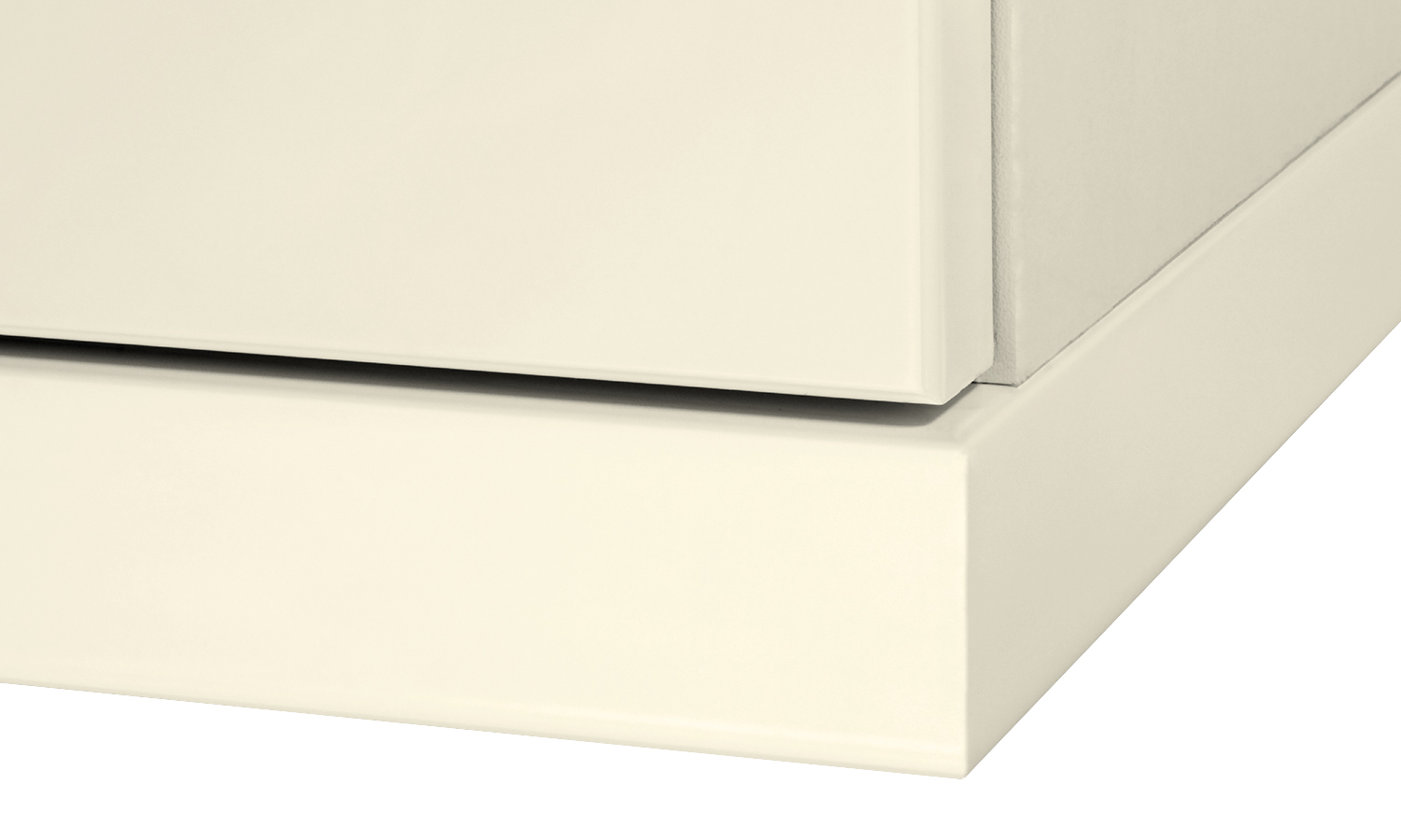 Cornice/Pelmet 2.6mtr x 25mm Square edge cream gloss to suit curved section
