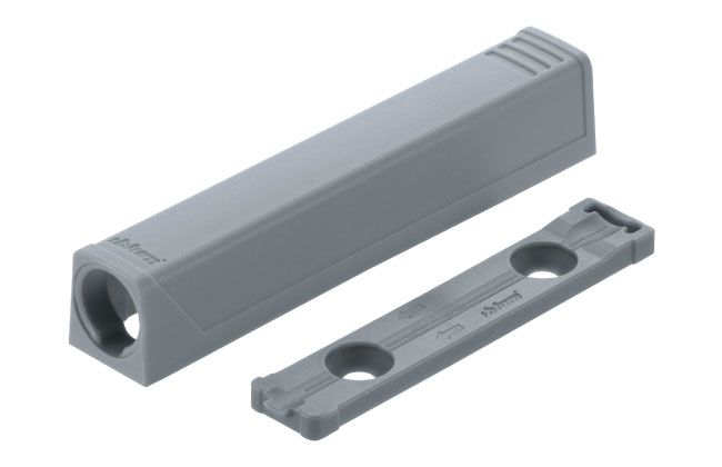 Blum TIP-ON for doors adapter plate
