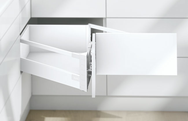 Blum Antaro Tandembox Corner Drawer D-Height (650mm) | Metallic Grey