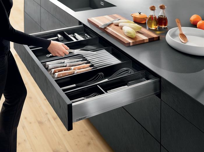 Blum LEGRABOX M-Height Drawer with Ambia-Line organisation